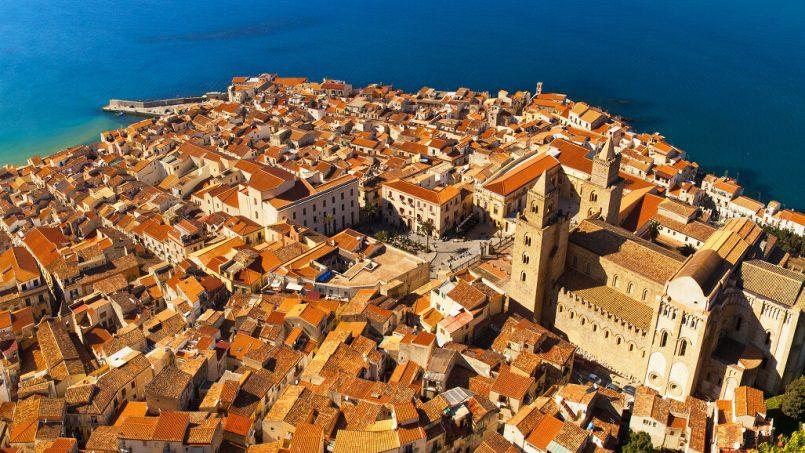 Casa Vitrani: affacciarsi nel centro storico di Cefalù